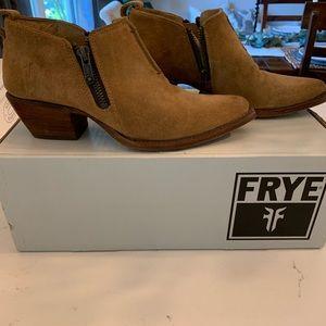 Like new Frye booties